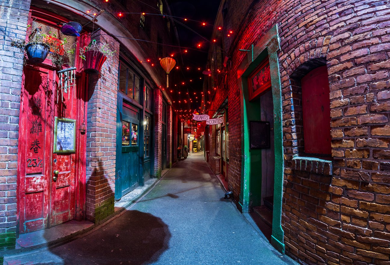 Fan Tan Alley. Photo by Doug Clement.